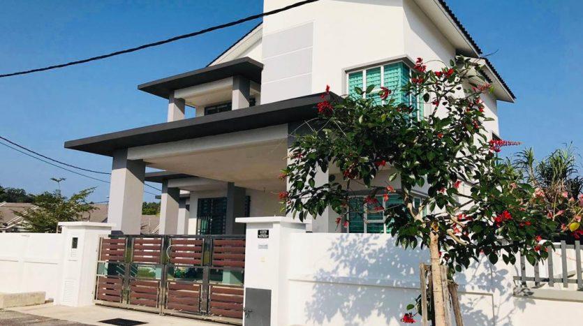 rumah banglo 2 tingkat di bandar chukai kemaman taman koperasi perdana